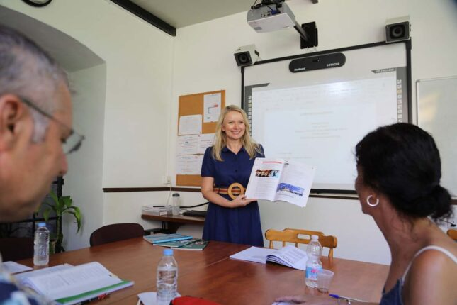 Students during general English standard courses