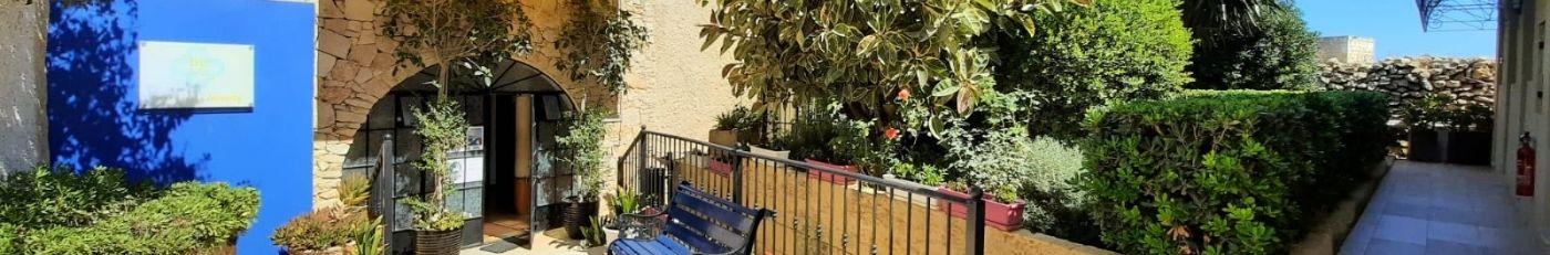 Jardín delantero de BELS Gozo