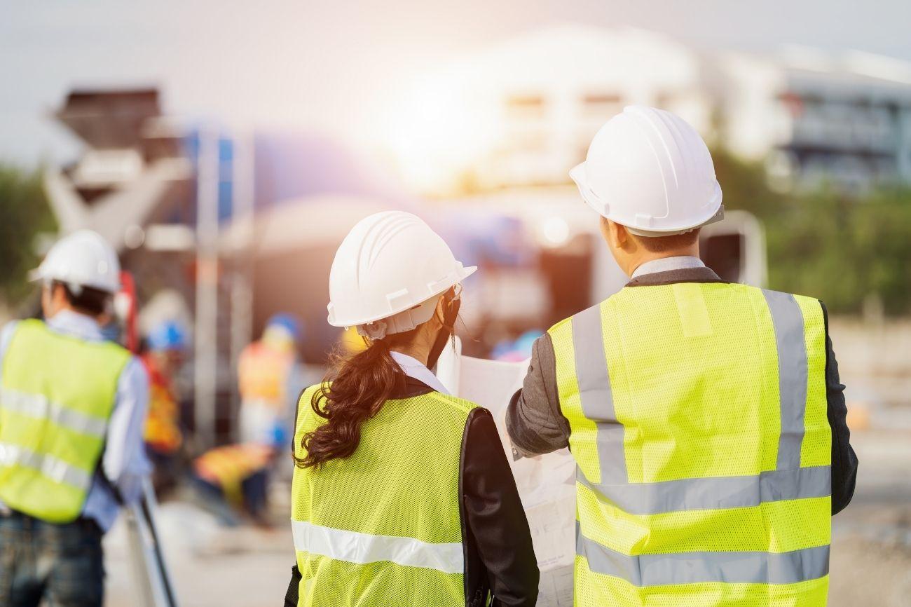 Sul posto con l'inglese per i corsi di formazione sulla costruzione